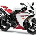 https://eshop-stickers.com/sites/default/files/imagecache/product_full/gallery_photos/1/yzf_r1_2009_white_red.jpg